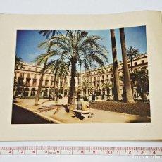 Postales: ANTIGUA TARJETA NAVIDEÑA DE 1959-60.CON PLAZA REAL DE BARCELONA.. Lote 91001485