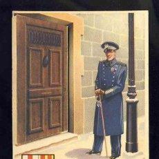 Postales: FELICITACION NAVIDEÑA DE OFICIOS: EL VIGILANTE. LA PUERTA SE ABRE DEJANDO VER EL INTERIOR DE LA CASA. Lote 143960798