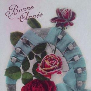 Bonne Année. Feliz año. Postal flores rosas herradura de caballo