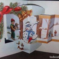 Postales: FELICITACION TROQUELADA NAVIDAD* NIÑOS JUGANDO EN LA NIEVE * 1967. Lote 158838266