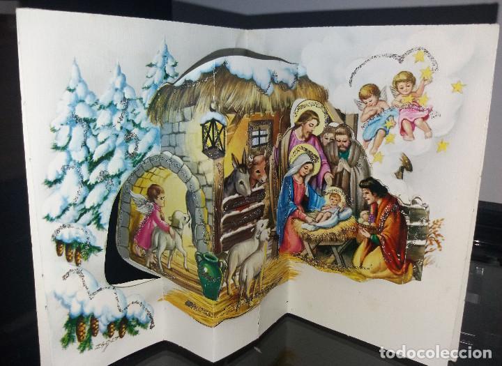 FELICITACION TROQUELADA NAVIDAD ZSOLT * PASTORES ADORANDO AL NIÑO*ADORNADA CON PURPURINA -1976 (Postales - Postales Temáticas - Navidad)
