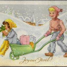 Postales: POSTAL NAVIDAD * NIÑOS EN LA NIEVE * 1951. Lote 175063673