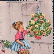 Postales: POSTAL NIÑA RECOGIENDO REGALOS - PELUCHE - ARBOL - PHOTOCHROM 633. Lote 180228791