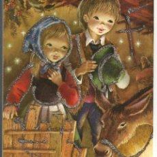 Cartes Postales: POSTAL NAVIDAD TROQUELADA CON DESPLEGABLE INTERIOR Y ADORNADA CON PURPURINA. Lote 186360716