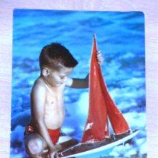 Postales: - POSTAL ITALIANA - AÑOS 60 - NIÑO CON BARQUITO.. Lote 11068745