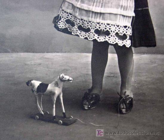 Magnifica Y Antigua Foto Postal Nina Jugando Comprar Postales