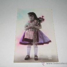 Postales: NIÑA CATALANA CON FLORES. Lote 27431692