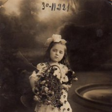 Postales: NIÑA CON CESTA DE FLORES Y PURPURINA. Lote 18633639