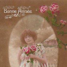 Postales: NIÑA Y ROSAS, CIRCULADA EN 1919, ES FELICITACIÓN DE NAVIDAD. Lote 22244908