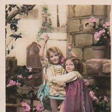 Postales: NIÑAS JUGANDO CON EL COLUMPIO (DEL AÑO 1910), CIRCULADA (VER DORSO). Lote 22264692