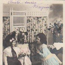Postales: NIÑAS (DEL AÑO 1904), DE RAYADO CONTINUO, CIRCULADA (VER DORSO). Lote 22264709