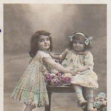 Postales: NIÑAS (DEL AÑO 1909), CIRCULADA (VER DORSO). Lote 22264821
