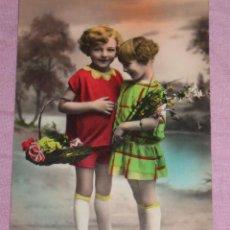 Postales: QUEX POSTALES - POSTAL COLOREADA AÑOS ´40 - NIÑAS CON FLORES. Lote 29478544