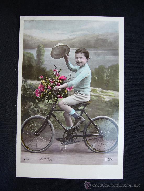 POSTAL ROMÁNTICA. NIÑO EN BICICLETA CON FLORES. SAZERAC. IRIS. (Postales - Postales Temáticas - Niños)