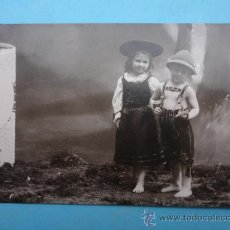 Postales: NIÑOS VESTIDOS DE TIROLESES.. Lote 38296508
