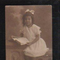 Postales: TARJETA POSTAL DE NIÑOS - FOTO DE ESTUDIO DE NIÑA. J. GISFIERZ, HABANA. Lote 39069850