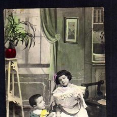 Cartes Postales: ANTIGUA POSTAL COLOREADA DE NIÑOS. CIRCULADA . Lote 40679522