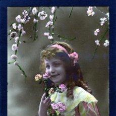 Postales: POSTALES ANTIGUAS DE NIÑOS. BONITA TARJETA POSTAL INFANTIL NIÑA, TEMA NIÑAS. CIRCULADA 1917. Lote 40731098