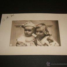 Postales: POSTAL NIÑOS CON MUÑECAS. Lote 41045057