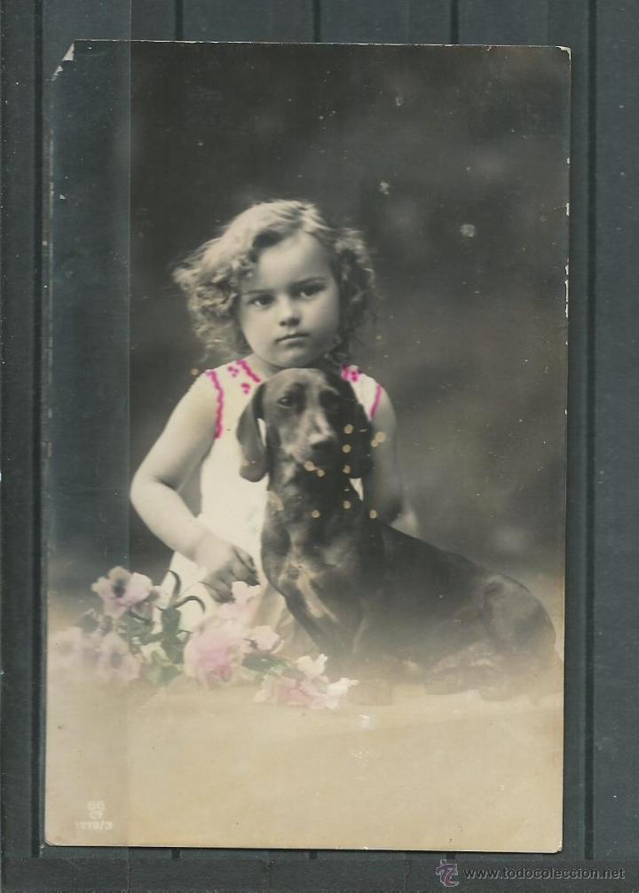 Resultado de imagen de foto antigua niña y perro