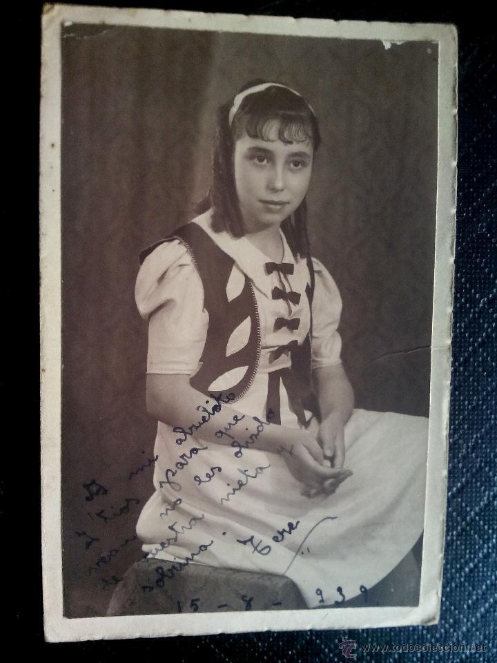 TARJETA POSTAL FOTOGRÁFICA DEDICADA RETRATO DE CHICA ESTUDIO SERRANO SEVILLA 1939 (Postales - Postales Temáticas - Niños)