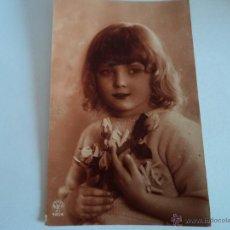 Postales: ANTIGUA FOTO POSTAL DE NIÑA DIRIGIDA A JUANITO ARTIGAS VIDAL COMPAÑIA DE TEATRO AÑO 1925. Lote 52009266