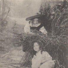 Postales: NIÑAS, CIRCULADA EN 1904. Lote 55034615