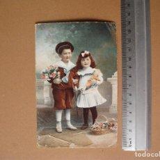 Postales: NIÑOS, POSADO, COLOREADA. AÑO 1910. Lote 62228428