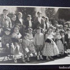 Postales: ANTIGUA FOTOGRAFÍA. NIÑOS Y NIÑAS. FALLEROS Y FALLERAS. FOTO AÑOS 50. . Lote 64282795