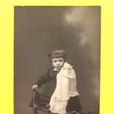 Postales: ASTURIAS FOTO NIÑA ASTURIANA GALLEGA FOLCLORE INDUMENTARIA REGIONAL MUÑECA 1900. Lote 64987051