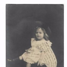 Postales: ANTIGUA POSTAL ED. M & Cº B - NIÑA SENTADA EN SILLA - CIRCULADA 1904 - REVERSO SIN DIVIDIR. Lote 73938439