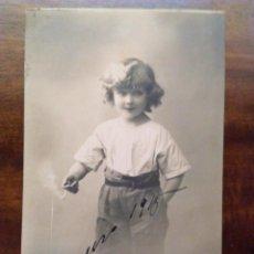 Postales: PRECIOSA POSTAL DE NIÑA FUMANDO. 1915.. Lote 78069413
