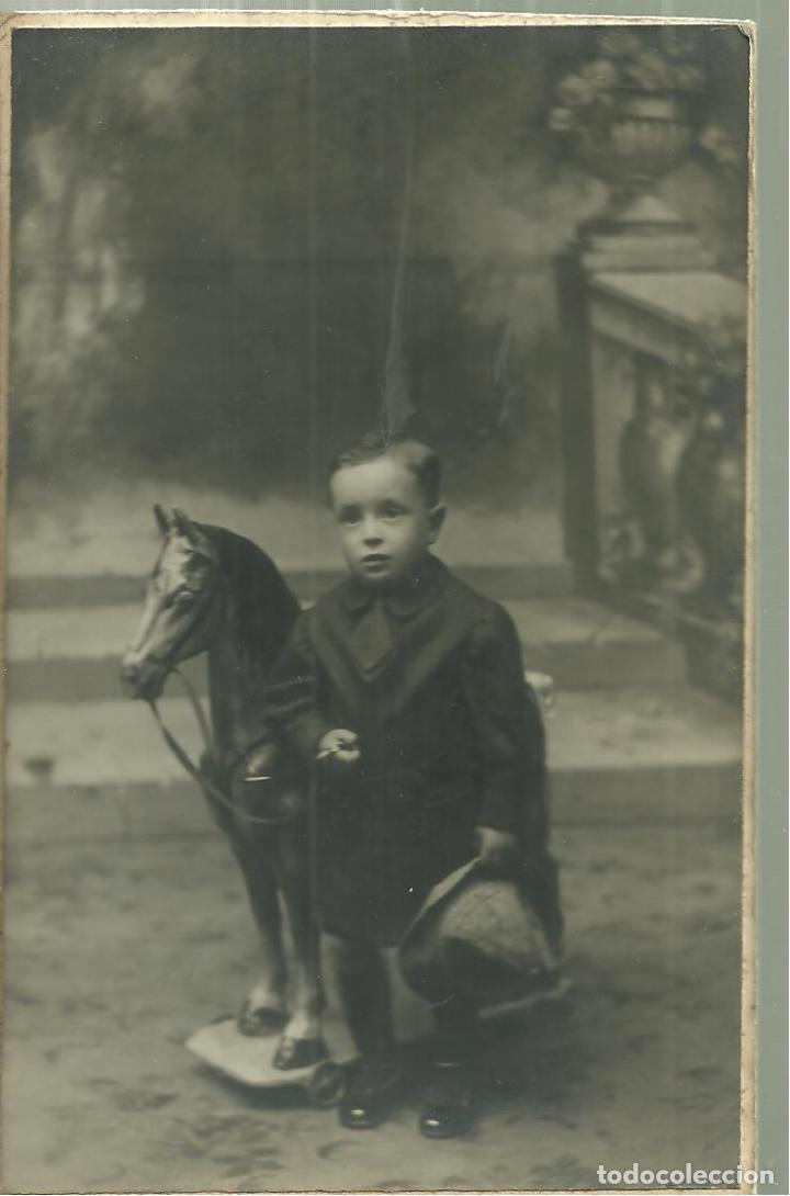 C1.- NIÑO CON CABALLO DE JUGUETE-J.MAXENCHS SUCESOR-ART ESTUDIO ESTRANY DE MATARO (Postales - Postales Temáticas - Niños)
