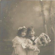 Postales: ANTIGUA FOTO / POSTAL NIÑOS - BNK 33663/6 - CIRCULADA 1911. Lote 102353187