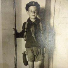 Postales: ANTIGUA POSTAL FOTOGRÁFICA NIÑO BOY-SCOUT. BARCELONA AÑOS 1920-30S. Lote 103421779