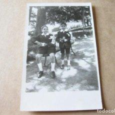 Postales: FOTOGRAFIA POSTAL CON DOS NIÑOS VESTIDOS DE PRIMERA COMUNION. 1929. Lote 105187951