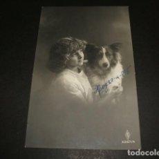 Postales: NIÑA CON PERRO POSTAL 1915. Lote 110202371