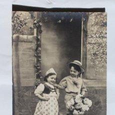 Postales: FOTO DE ESTUDIO, NIÑOS VESTIDO REGIONAL- REX 4310- 1912. Lote 113478611