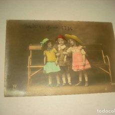 Postales: ANTIGUA POSTAL DE TRES NIÑOS , PARIS. ESCRITA 1916.. Lote 128996067