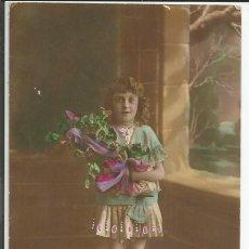 Postales: POSTAL ANTIGUA NIÑA CON RAMO DE FLORES - GLORIA - AÑO 1920. Lote 134149170