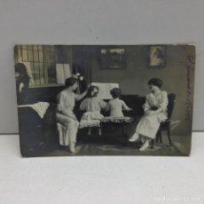 Postales: POSTAL NIÑOS TOCANDO PIANO - ESCRITA - AÑO 1914. Lote 142461198