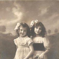 Postales: POSTAL DE NIÑAS MUY ANTIGUA MANUSCRITA - RPH 2972/3 - AÑO 1913. Lote 144350106