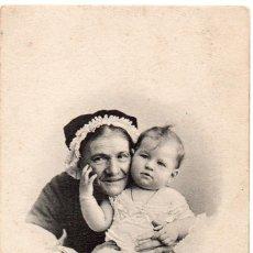 Postales: NIÑO BEBE MUY ANTIGUA CON ABUELA O AMONA - FRANCESA FRANCIA SELLADA Y RESELLADA 1902 - 15X10 CMS.. Lote 146448822