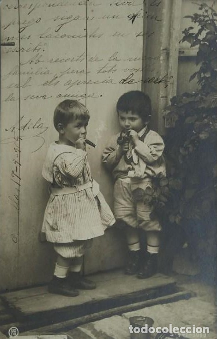 1905 NIÑOS FUMANDO PUROS Y PIPA. POSTAL ANTIGUA CIRCULADA 17/09/1905 (Postales - Postales Temáticas - Niños)