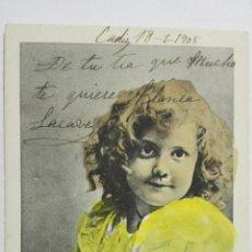 Postales: POSTAL COLOREADA, NIÑA CON VESTIDO CON LAZOS, CIRCULADA CON SELLO AÑO 1905. Lote 170819410