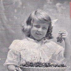 Postales: NIÑA COMIENDO CEREZAS CIRCULADA 1908 DESDE SANS BARCELONA. Lote 173457968