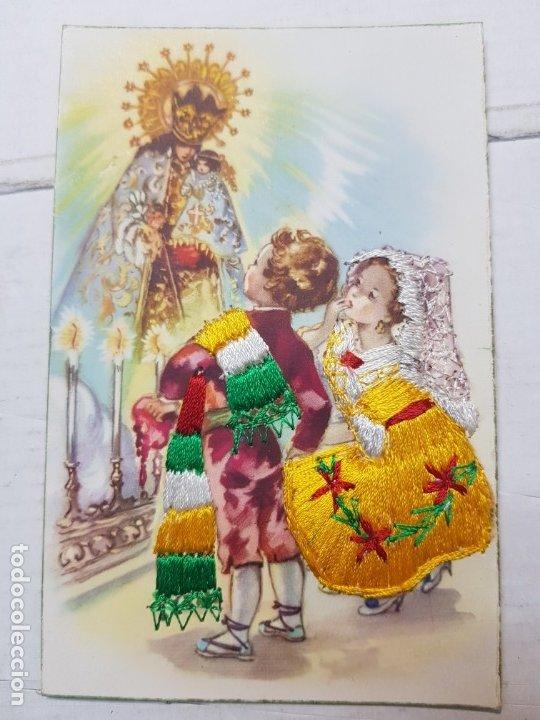 POSTAL ANTIGUA DE NIÑOS CON BORDADO A MANO (Postales - Postales Temáticas - Niños)