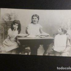 Postales: NIÑOS TOMANDO SOPA POSTAL. Lote 175950865