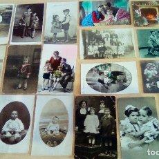 Postales: LOTE DE 18 POSTALES Y FOTOS ANTIGUAS TEMA NIÑOS. Lote 176108123