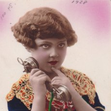Postales: NIÑA HABLAN DO POR TELEFONO CIRCULADA EN 1928 . Lote 177046335